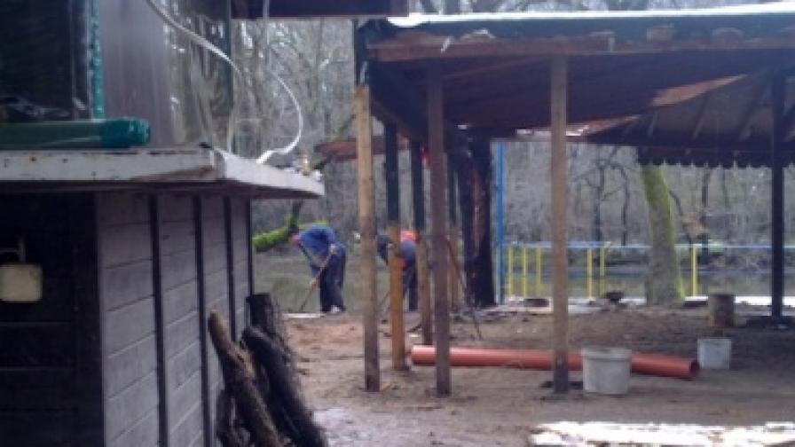 """Строителната фирма в резерват """"Ропотамо"""" отрече за незаконен строеж"""