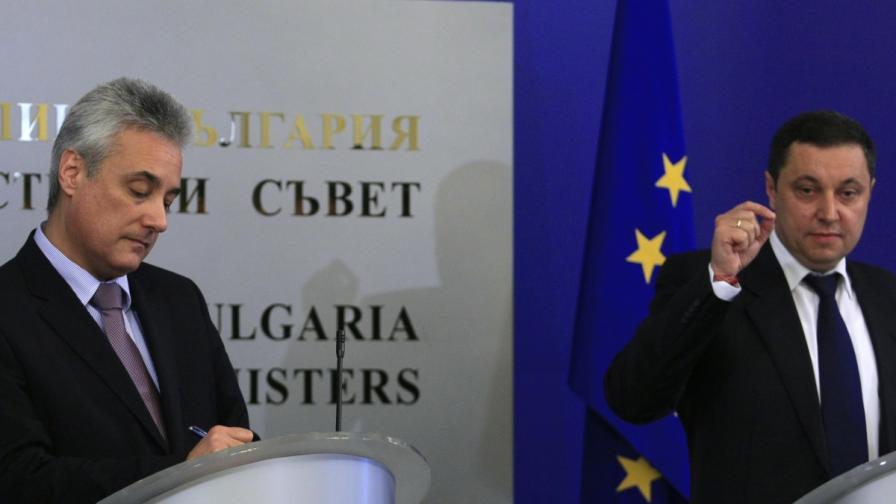 Марин Райков: Държавните служители да внимават с кого сядат на една маса