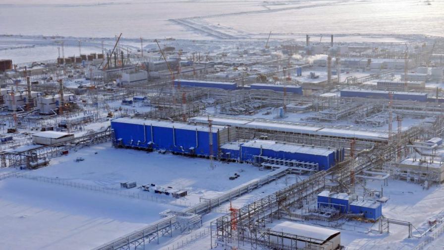 """Инсталация на """"Газпром"""" в Бованенсковското газово находище на полуостров Ямал в северозападен Сибир"""