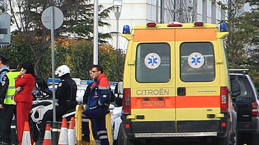 35 ранени след стрелба по работници чужденци в Гърция
