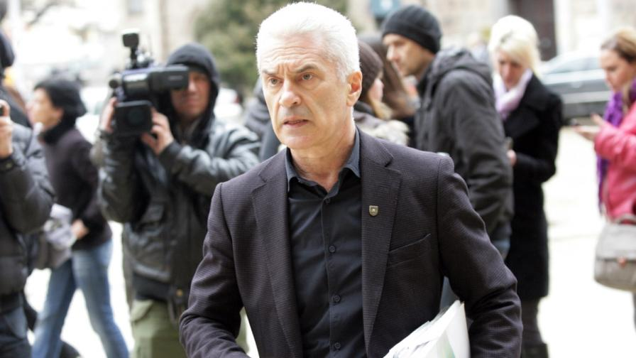 Сидеров обвини служебното правителство за незаконните бюлетини