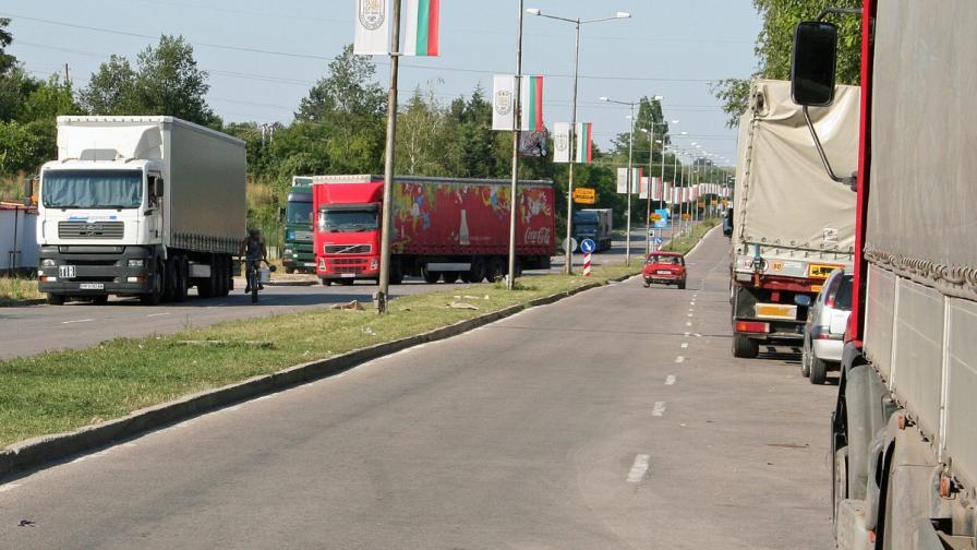 МС: Турция премахна ограничения за български превозвачи