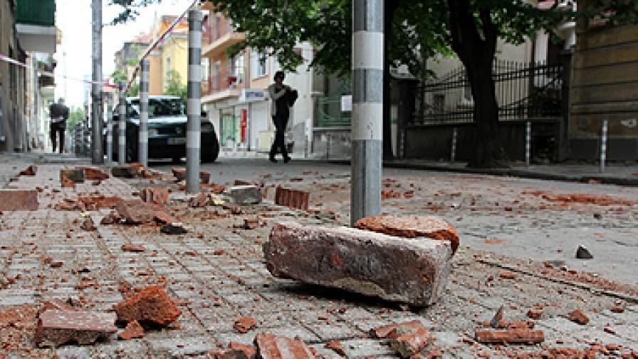 Земетресението нанесе слаби щети