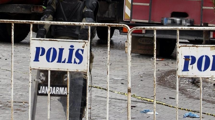 Един загинал и трима ранени при експлозия на газ в Анкара