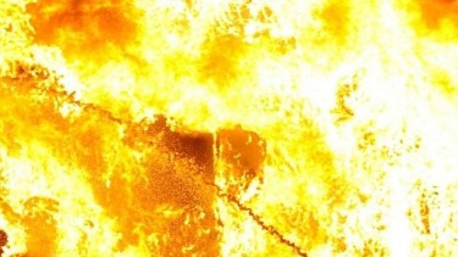 "Пожар избухна в пицария на столичния бул. ""Цар Борис III"""