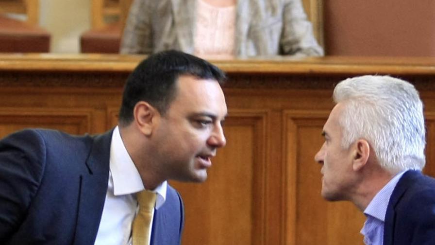 Сидеров и Московски се спречкаха в парламента