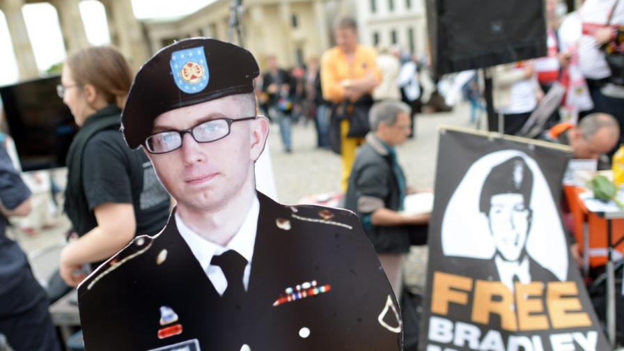 "Започна делото срещу информатора на ""Уикилийкс"" Брадли Манинг"
