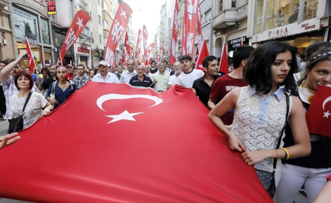 Втори убит при протестите в Турция
