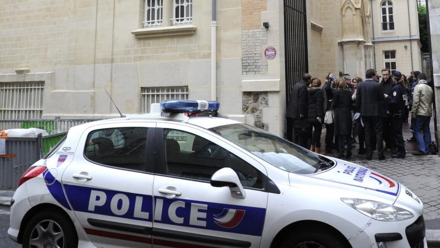 Бивш шеф на френско разузнаване намерен мъртъв в дома си