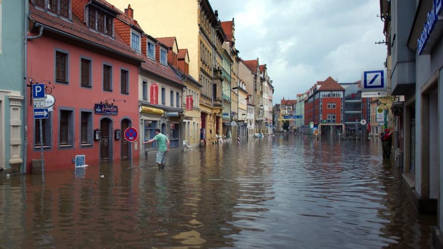 Хиляди евакуирани заради наводненията в Европа