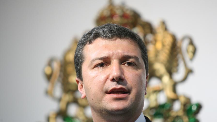 Драгомир Стойнев: Най-важното е да не скача цената на тока