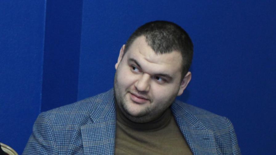 Цацаров, Йовчев и Пеевски координираха работата си