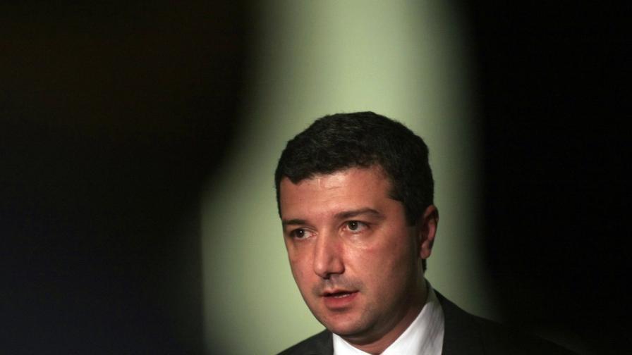 Стойнев: Заплашва ни режим на тока, ако кабинетът падне