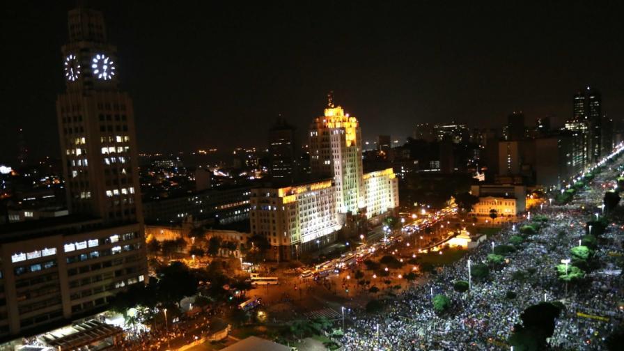 1 млн. протестиращи в Бразилия и първа жертва сред демонстрантите
