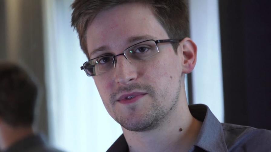 САЩ обвиниха Едуард Сноудън в шпионаж