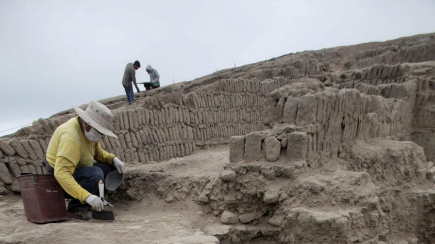 В Перу откриха гробница на 1300 години, пълна с мумии