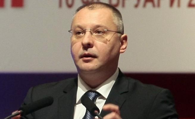 Станишев:Имаше риск, но правителството няма да падне