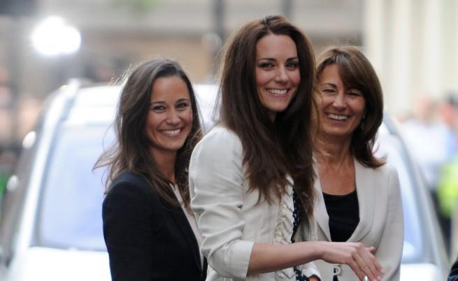 Кейт разпали очакванията за кралското бебе