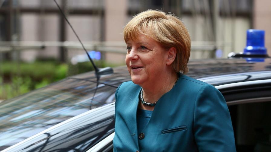 Меркел призова за глобално споразумение за защита на личните данни
