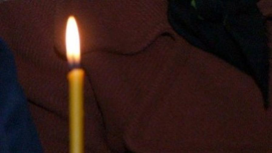 """Почина 6-годишната Елена, блъсната от такси на """"Цариградско шосе"""""""