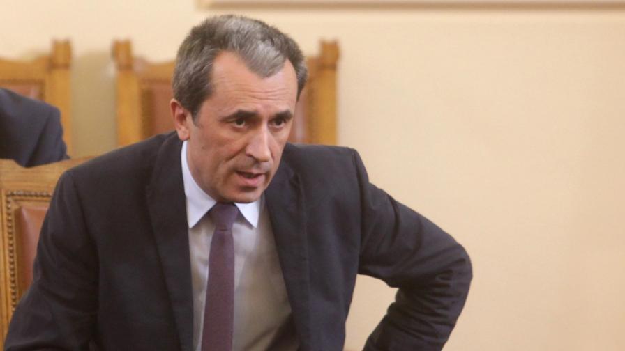 """Орешарски се забавлявал с темата """"Пеевски"""""""