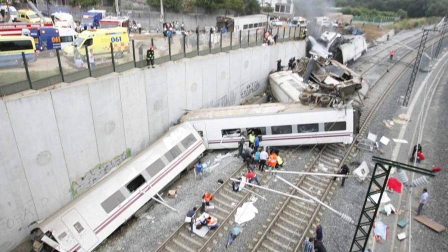 Задържаха машиниста на дерайлиралия влак в Испания