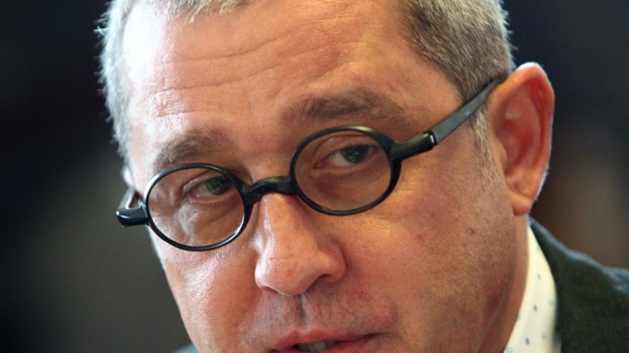Йордан Цонев към Миков: Обади се на Йовчев