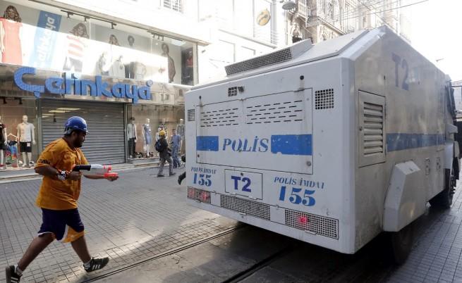 В Турция ще купуват нови бронирани коли заради антиправителствените протести