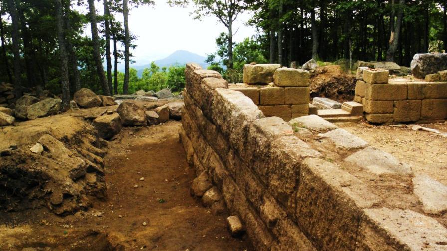 Одриската резиденция на връх Кози грамади