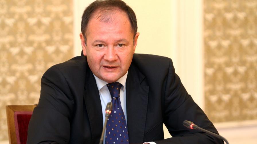 Миков: Заседаваме идната седмица