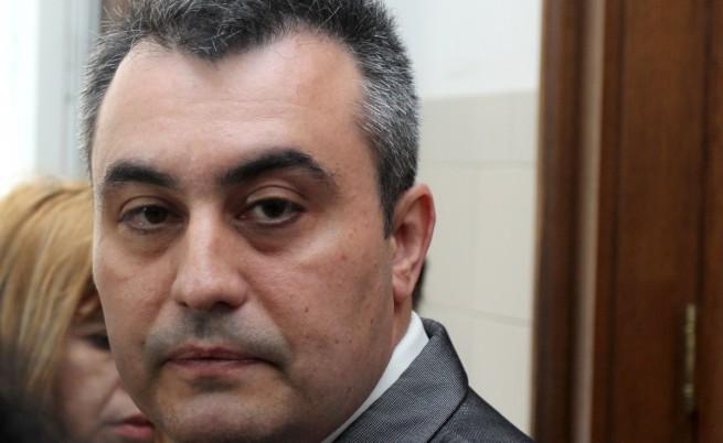Кокинов обжалва уволнението си