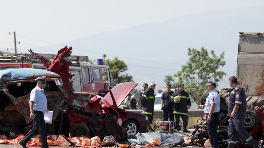 Двама загинали преди откриването на пътен възел Яна