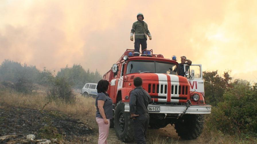 Овладени са пожарите край Стара Загора и Варна, край Харманли е потушен