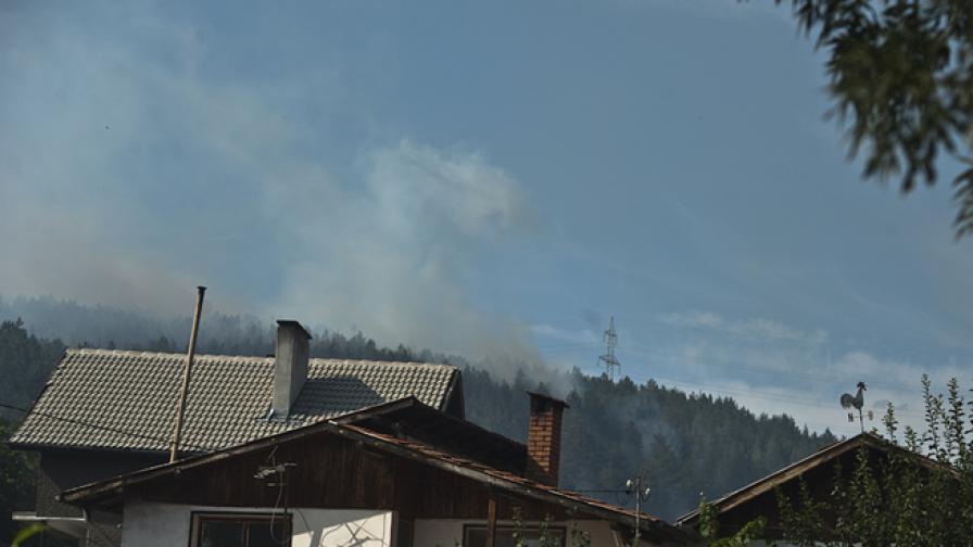 Локализиран е пожарът край софийското с. Локорско