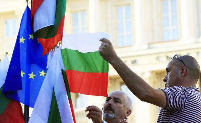 Ден 80: Протестиращи освиркват управляващи