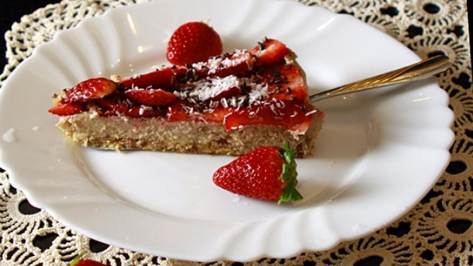Суров веган чийзкейк с ягоди