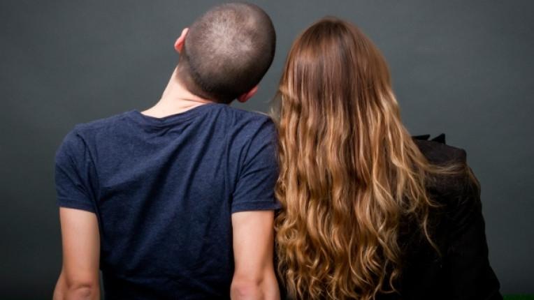 връзка брак принц клише спомени изневяра илюзия целувка двойка