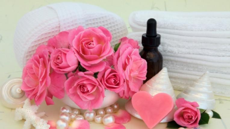 розово масло биокозметика стареене кожа натурални съставки псориазис белези