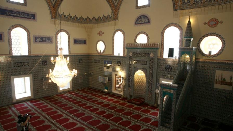"""Софийската джамия """"Баня баши"""", чийто ремонт се бави"""