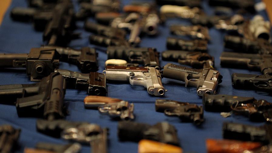 Швейцария позволи на хървати и черногорци да имат оръжие