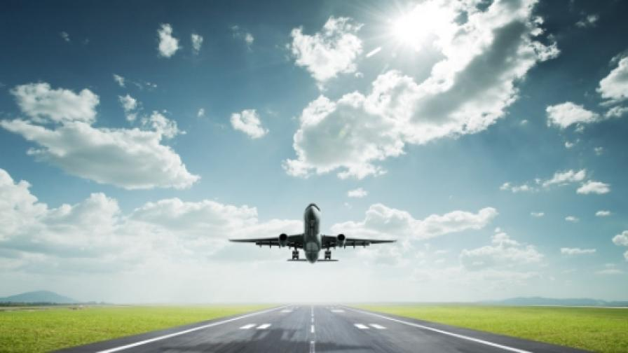 Изчезналият алжирски самолет е кацнал успешно