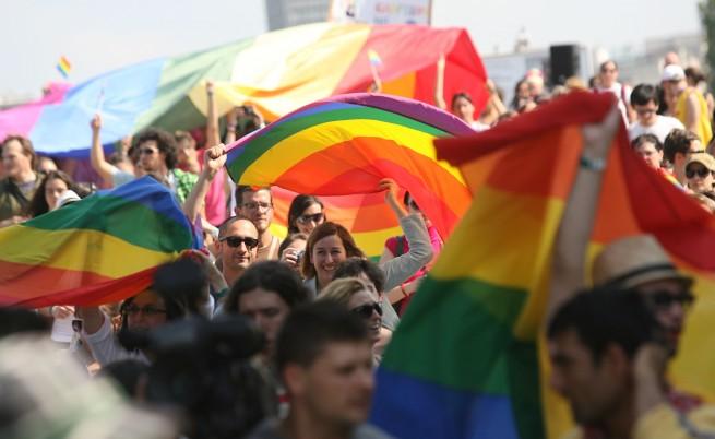 Патриарх Неофит с Библията срещу гей парада
