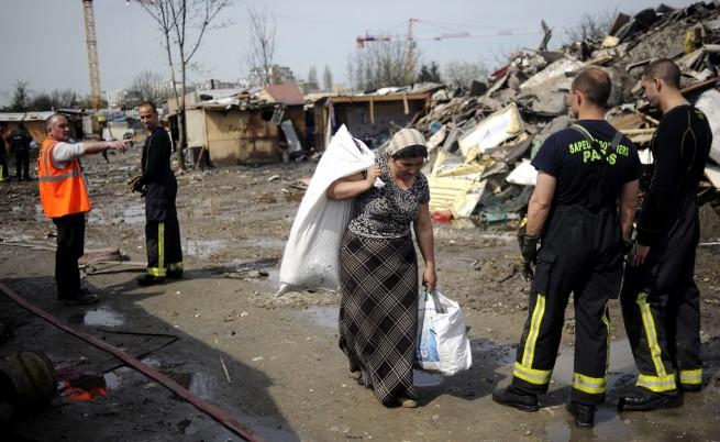 Френският омбудсман: Правителството нарушава собствените си наредби за ромските лагери