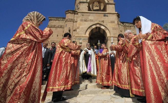 Арменската църква канонизира 1,5 млн. жертви на геноцида