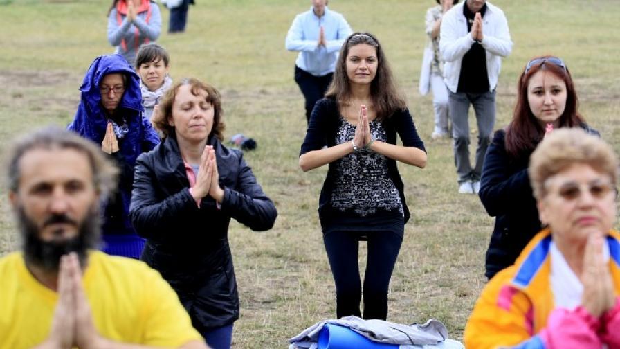 Българи подобриха световен рекорд по йога