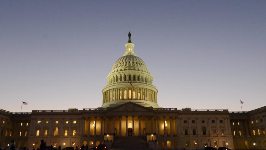 САЩ останаха без пари, държавните служители излизат в принудителен отпуск