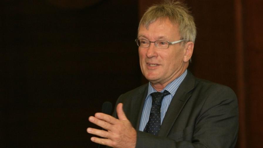Посланикът на Германия в София Матиас Хьопфнер: Системата не работи, съществува и сериозна автоцензура
