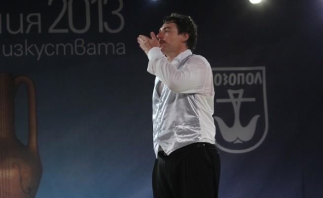 Камен Донев играе благотворително за Пловдивския театър