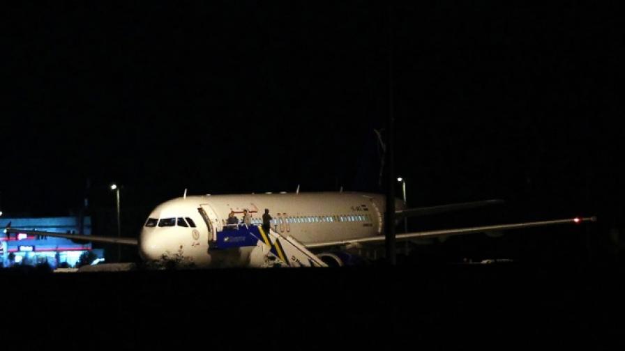 Два самолета се сблъскаха на летище в Истанбул