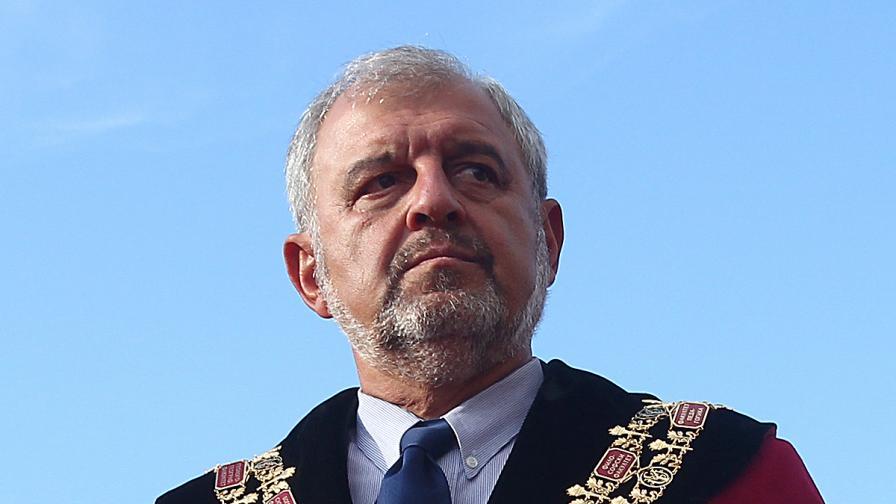 Ректорът на СУ пита Йовчев за полицаите във ФЖМК